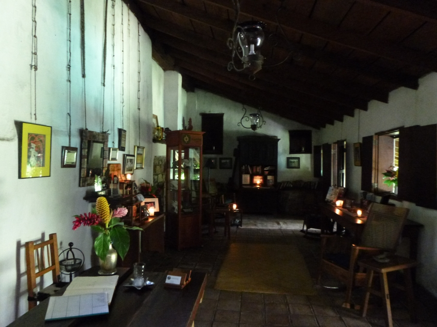 Cosy Colonial Decor of Hacienda San Lucas