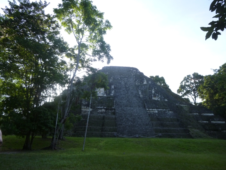 Tikal: Mundo Perdido Pyramid (The Lost World Pyramid)