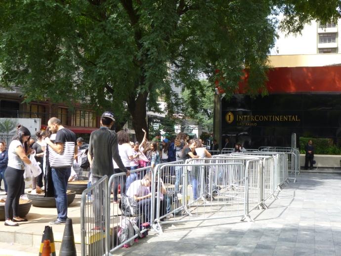 Demi Lovato's Fans Outside Intercon