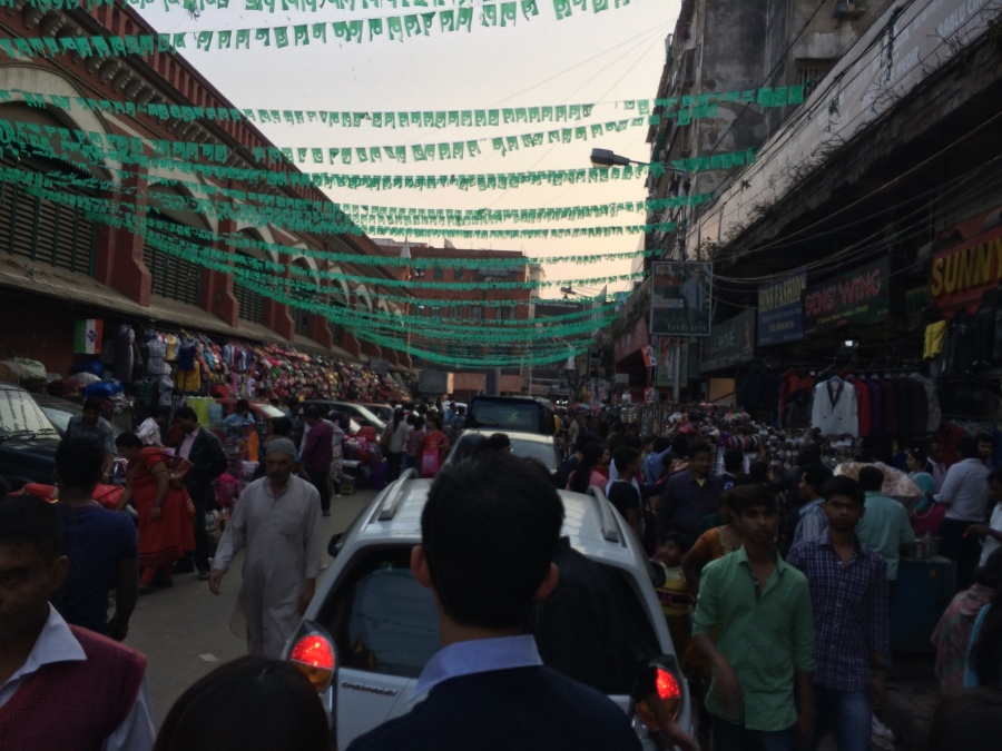 New Market Kolkata - Full of people and car honking