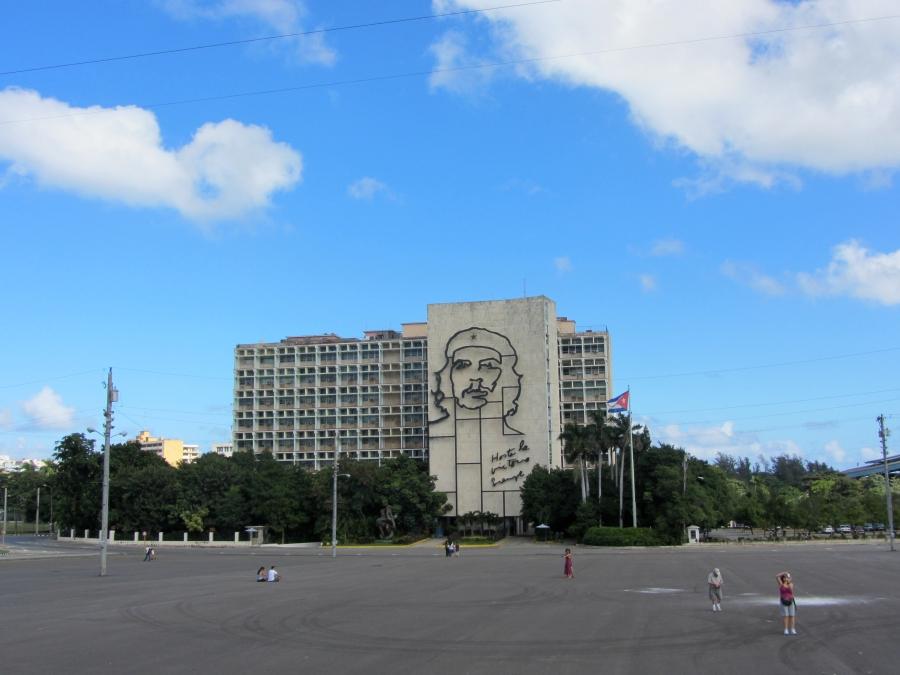 Che Guevarra Was Not Born Cuban, But Is He A Cuban Hero or A Murderer?
