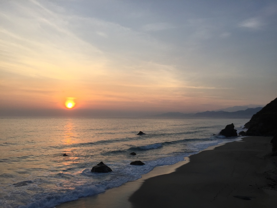 Sunrise in Los Naranjos Beach, Magdalena (5KM From Tayrona Zaino Entrance)